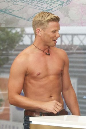 Jeff Brazier stripping on This Morning.