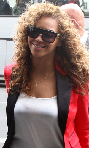 Beyonce going to have dinner with her husband at Caviar Kaspia's Paris, France - 06.06.12 **Available for publication in the UK & USA only. Not for publication in the rest of the world** Mandatory Credit: WENN.com