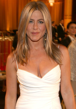 Jennifer Aniston head and shoulders