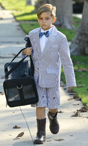 Miss Mode: Gwen Stefani's son Kingston in bow tie and a striped suit arrives at his grandparents home  for Thanksgiving Los Angeles, California - 22.11.12 Mandatory Credit: WENN.com