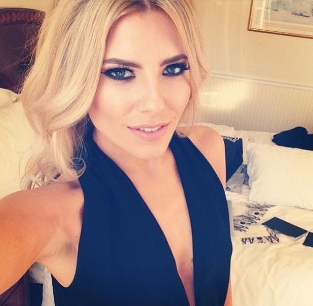 Mollie King show us ho... Victoria Beckham Makeup