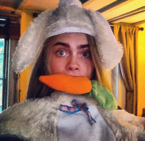 Cara Delevingne shrugs off psoriasis for MFW catwalk show: photos 1