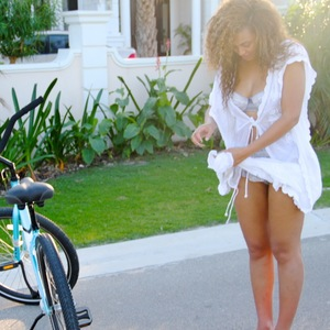 Beyoncé shares pic from island holiday, Tumblr, June 7 2013