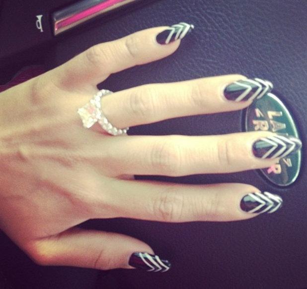 Snooki, Nicole Polizzi, black and white nails, Instagram, 3 June 2013
