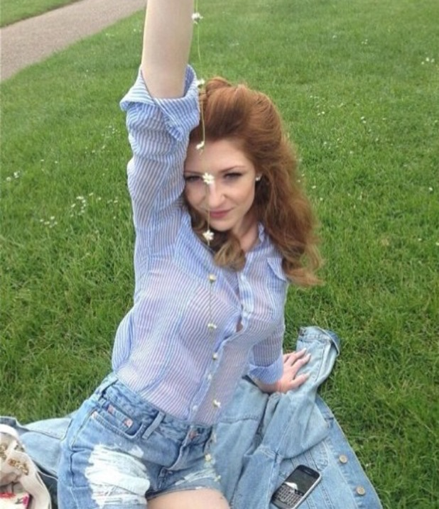 Nicola Roberts makes daisy chains in the park - 6 June 2013
