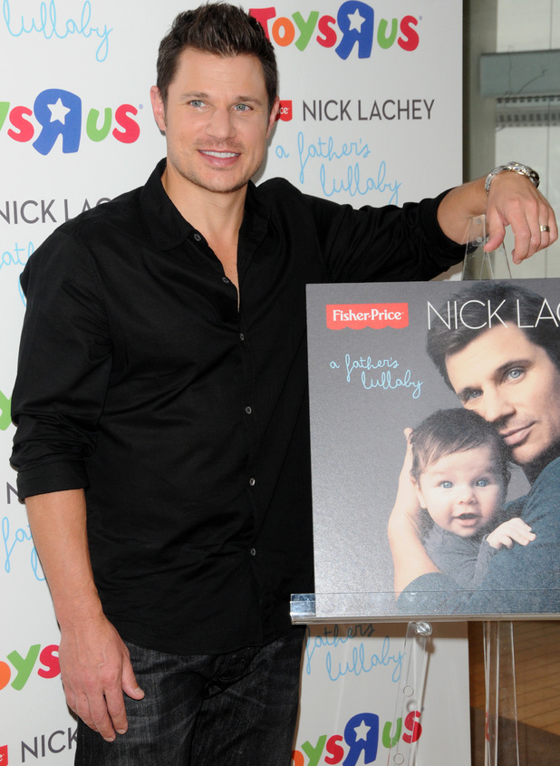 """Nick Lachey meets fans at 'Toys R Us' for the release of his new album """"A Father's Lullaby"""" - 12 june 2013"""