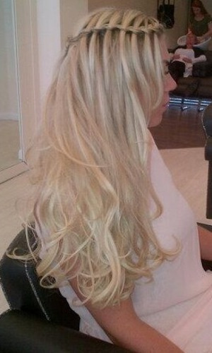Frankie Essex shows waterfall plait in Twitter picture on 19 June 2013