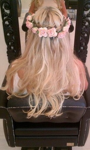 Frankie Essex shows her waterfall plait in Twitter picture on 19 June 2013