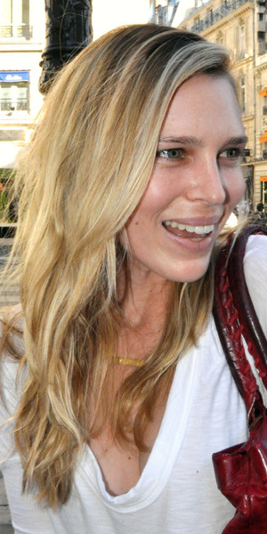Sara Foster outside the Hyatt Hotel Paris for the Roland Garros 2011 French Open Paris, Hotel - 23.05.11