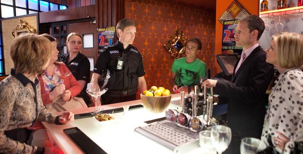 Corrie, Police raid the Bistro, Mon 8 Jul
