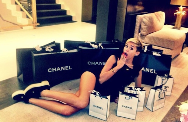 Miley Cyrus Twitter Chanel London - Miley showed off bags upon bags of Chanel goodies