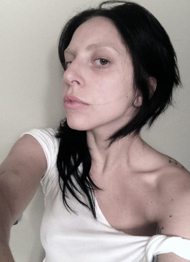 Lady Gaga shares make-up free photo of herself (22 July 2013)