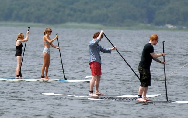 Taylor Swift and her  Ed Sheeran go paddle boarding on Rhode Island - 28 July 2013