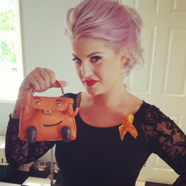 Kelly Osbourne tweets photo to Instagram ahead of Do Something awards in Los Angeles