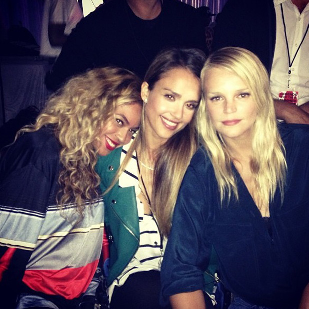 Beyonce, Jessica Alba and Kelly Sawyer backstage at Legends of Summer tour