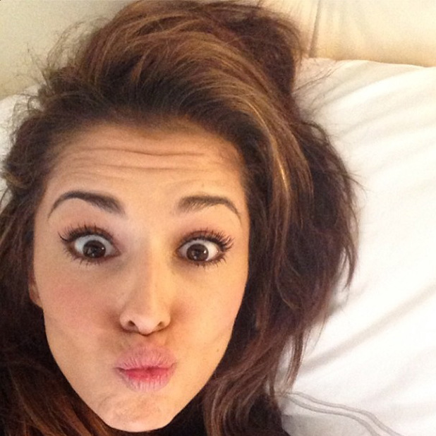 Cheryl Cole posts selfie to Instagram after day of babysitting