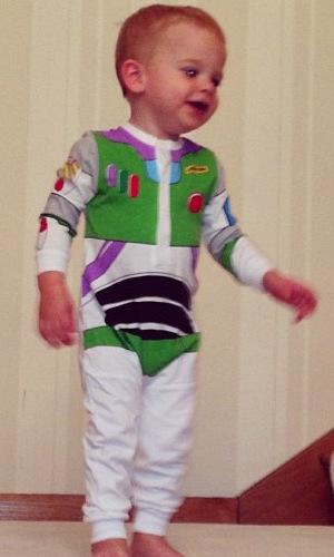 Danielle Lloyd's son Archie dresses as Buzz Lightyear - 6 August 2013