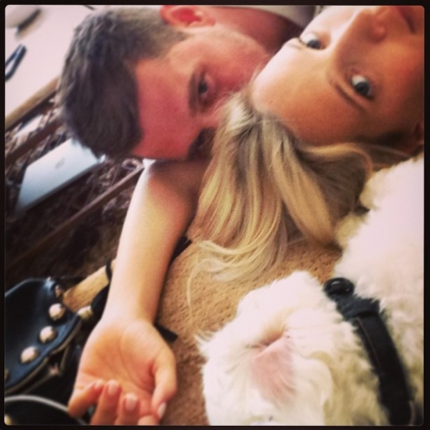 Michael Buble and wife Luisana Lopilato relax at home - 5 August 2013
