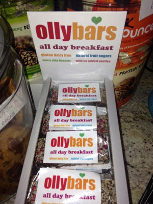 Caroline Flack tweets a picture of Olly Bars to Olly Murs, 5 August 2013