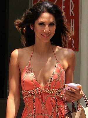 Leilani Dowding Spotted Leaving the Newsroom Cafe on Robertson Boulevard - 8 May 2013
