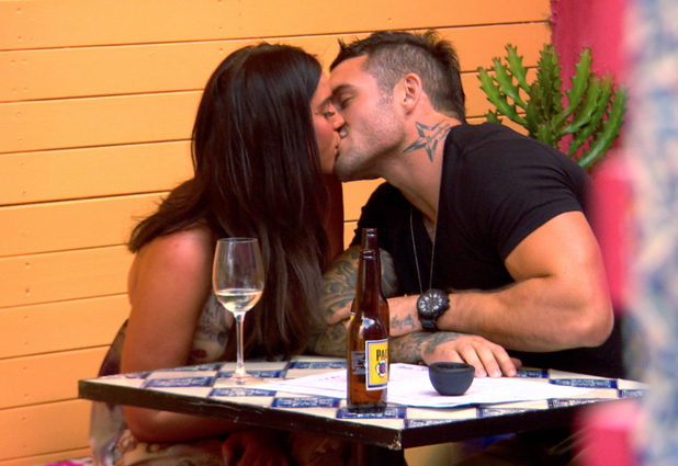 Goerdie Shore: Going Down Under episode August 20th 2013 - Vicky Pattison goes on a date