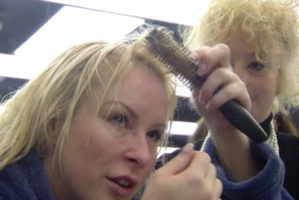 Lauren Harries gets brush stuck in Danielle's hair on Celebrity Big Brother - 27 august 2013