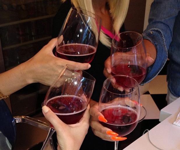 Kim Kardashian has wine with friends - 8 September 2013
