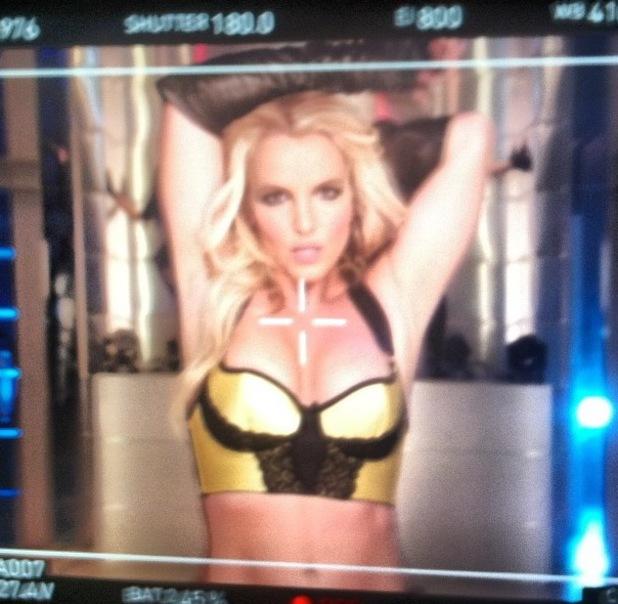 """Britney Spears teases new single 'Work B**ch"""" - 12 September 2013"""
