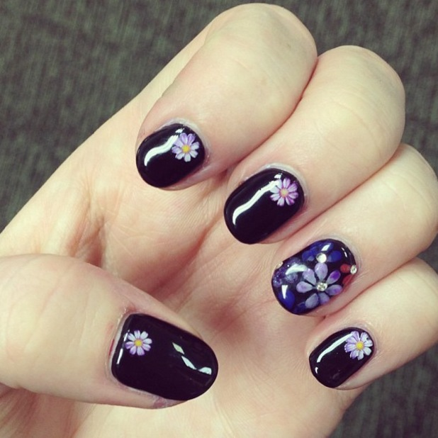 Little Mix's Perrie Edwards daisy nail art on Instagram
