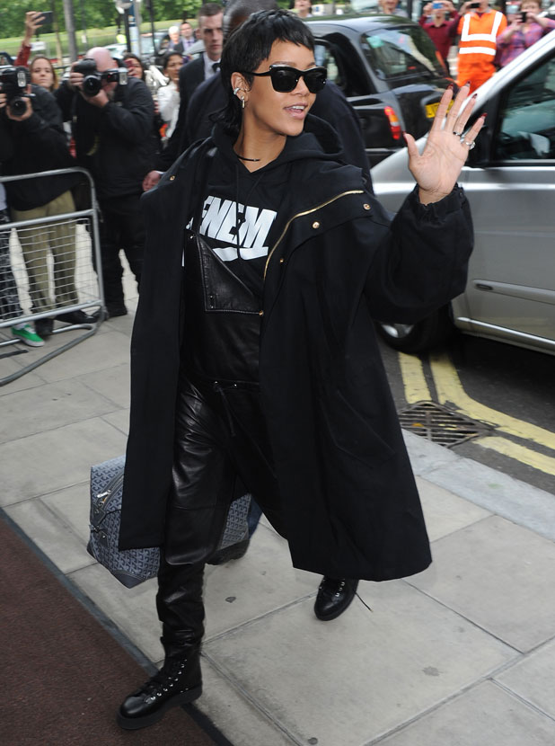 Rihanna arrives at her hotel in London, 10 September 2013