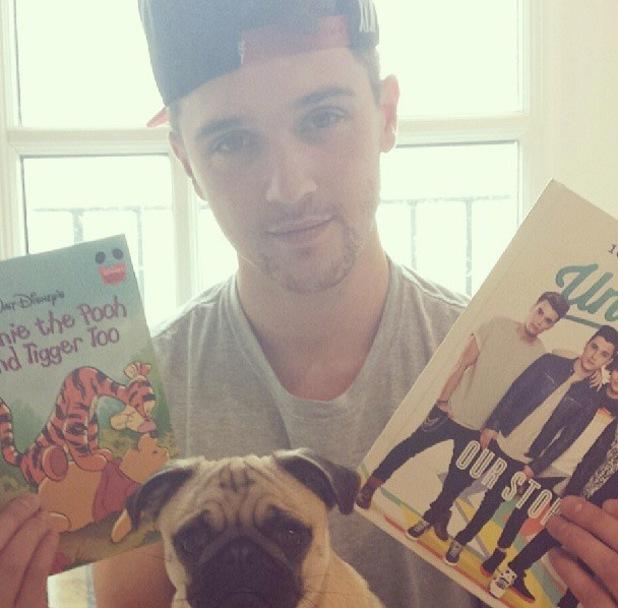Union J's JJ Hamblett reads books to his unborn child - 19 Sept 2013
