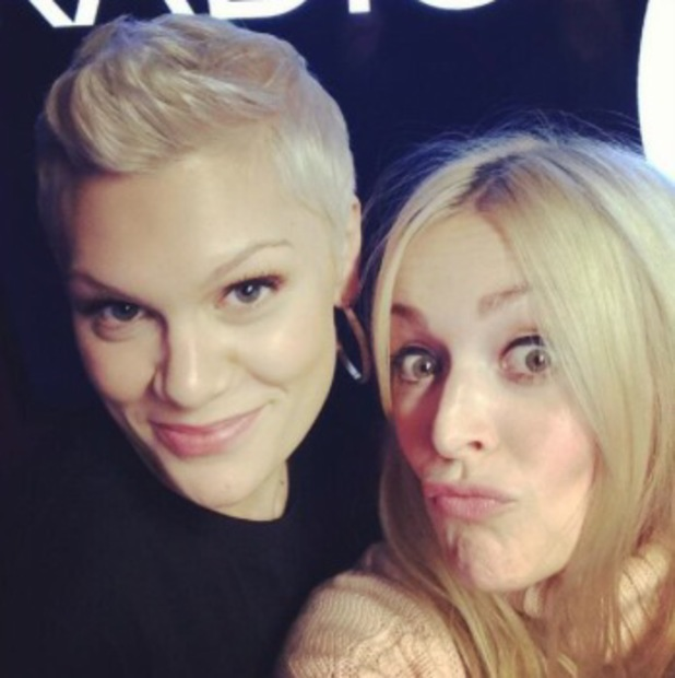 Photo of Jessie J & her friend  Fearne Cotton