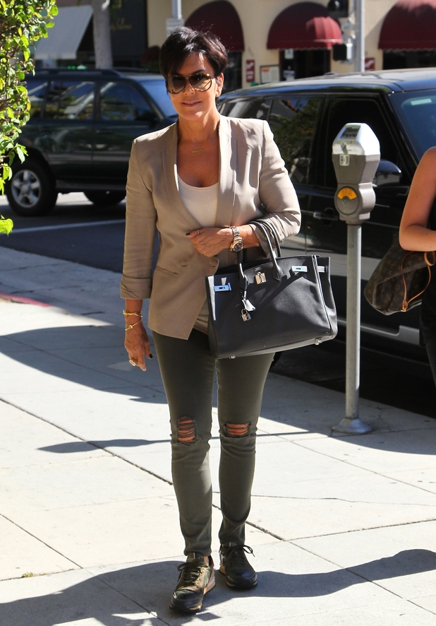 Kris Jenner at a Medical Building in Beverly Hills - 17.9.2013