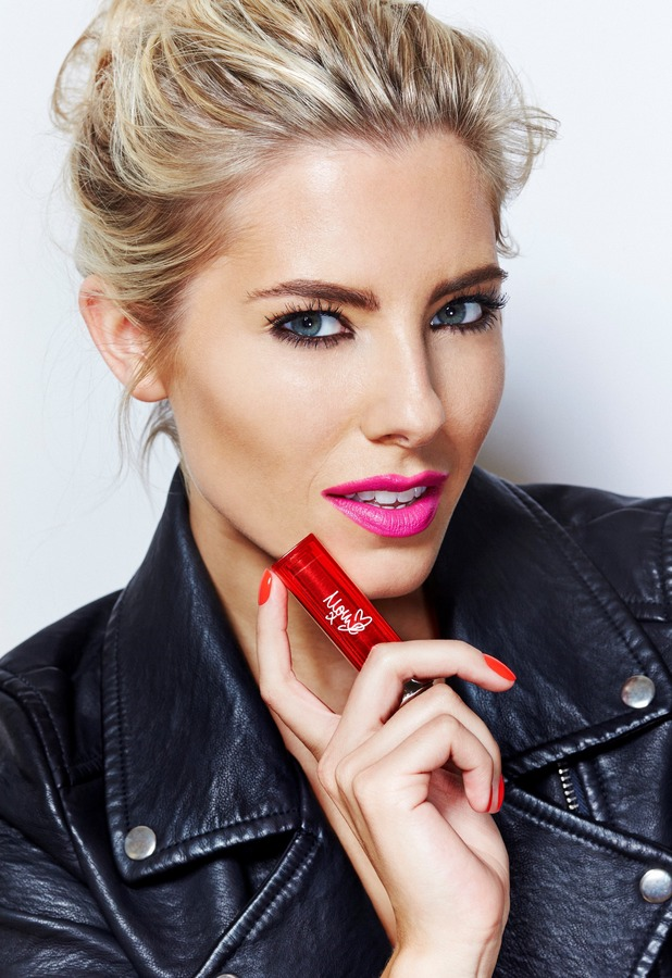 Mollie King as face of Maybelline