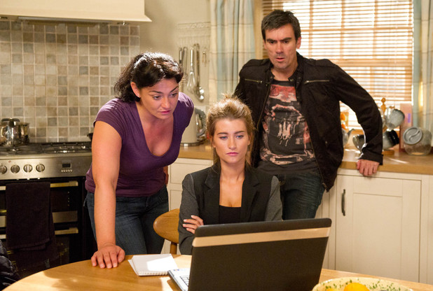 Emmerdale, Moira and Debbie send Cain on holiday, Fri 27 Sep