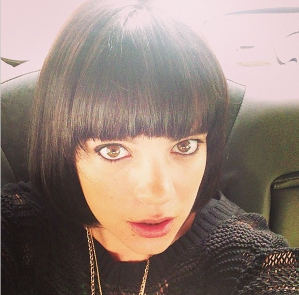Lily Allen shows off her new black bob - 25 September 2013