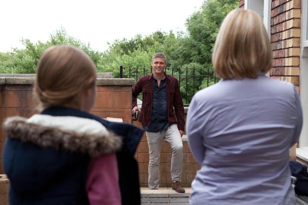 Hollyoaks, Danny's family moves to Oaks, Fri 4 OCt