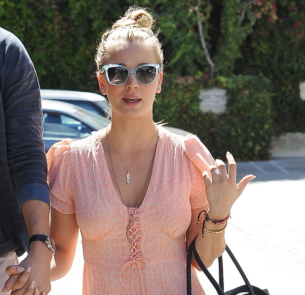Kaley Cuoco Flashes Engagement Ring On Date With Fianc 233