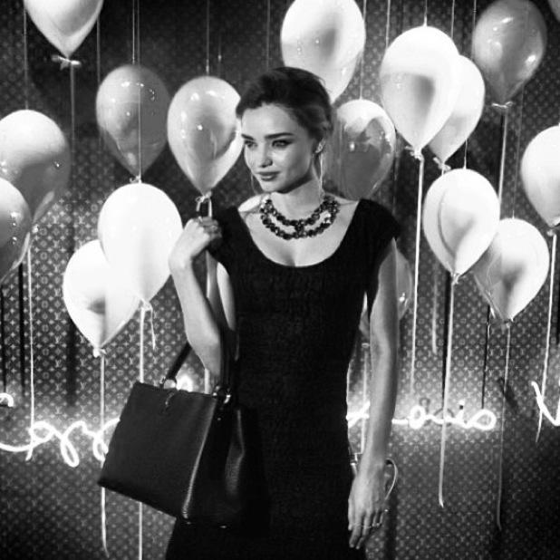 Miranda Kerr Instagram picture with a new Louis Vuitton handbag - 2 October 2013