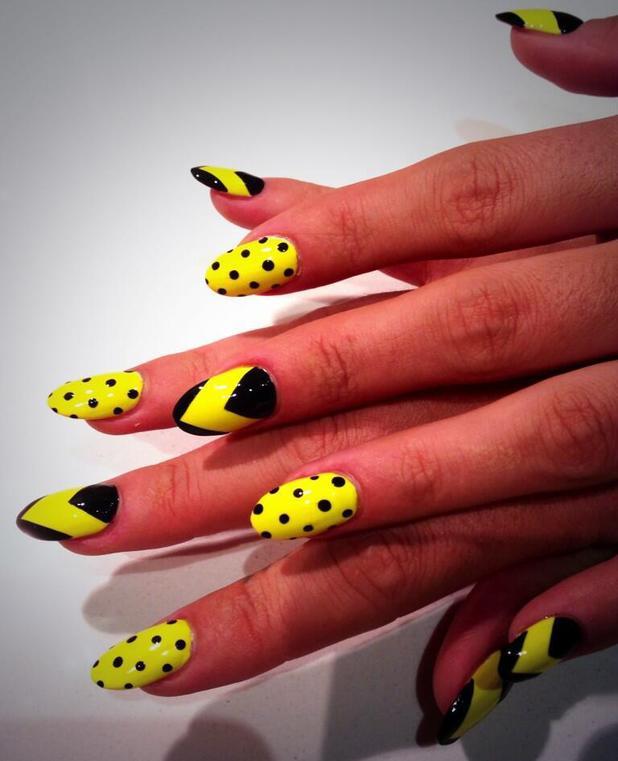 Lily (Allen) Cooper's black and yellow chevron, polka dot nail art, 7 October 2013