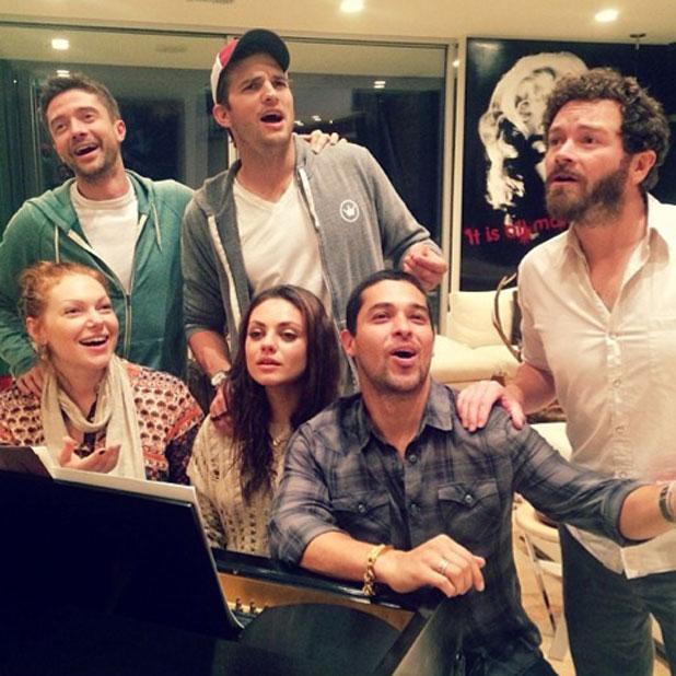That 70s show cast reunite for singalong: Wilmer Valderrama, Laura Prepon, Danny Masterson, Wilmer Valderama, Topher Grace, Ashton Kutcher, Mila Kunis, 9 October 2013
