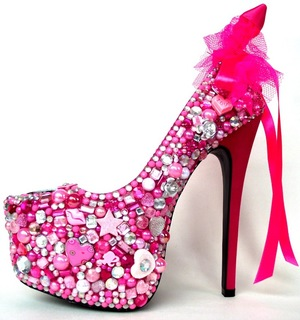 Courtney Stodden designs shoe for Primo Fashion - October 2013