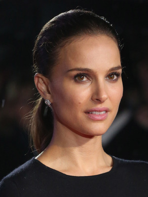 Natalie Portman, 'Thor: The Dark World' world premiere, held at the Odeon Leicester Square - Arrivals
