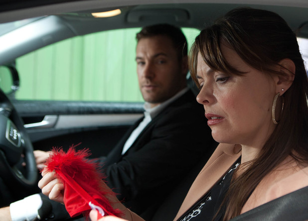 Corrie, Tracy finds knickers in Rob's car, Fri 25 Oct