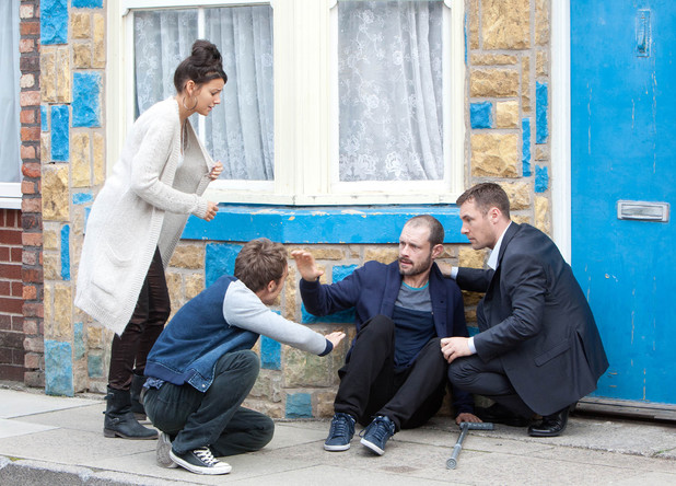 Corrie, Nick has a panic attack, Mon 28 Dec