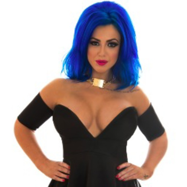 Holly Hagan shows off new blue hair in Twitter picture - 24 October 2013