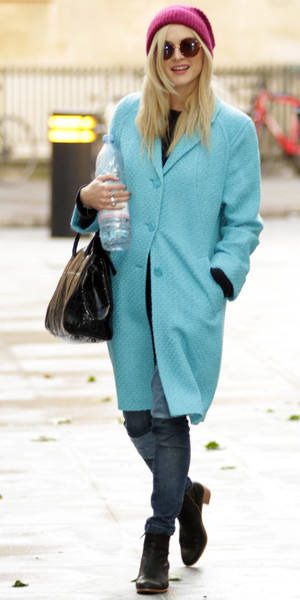 Fearne Cotton outside Radio 1 offices wearing a blue coat and pink hat - London 28th October 2013