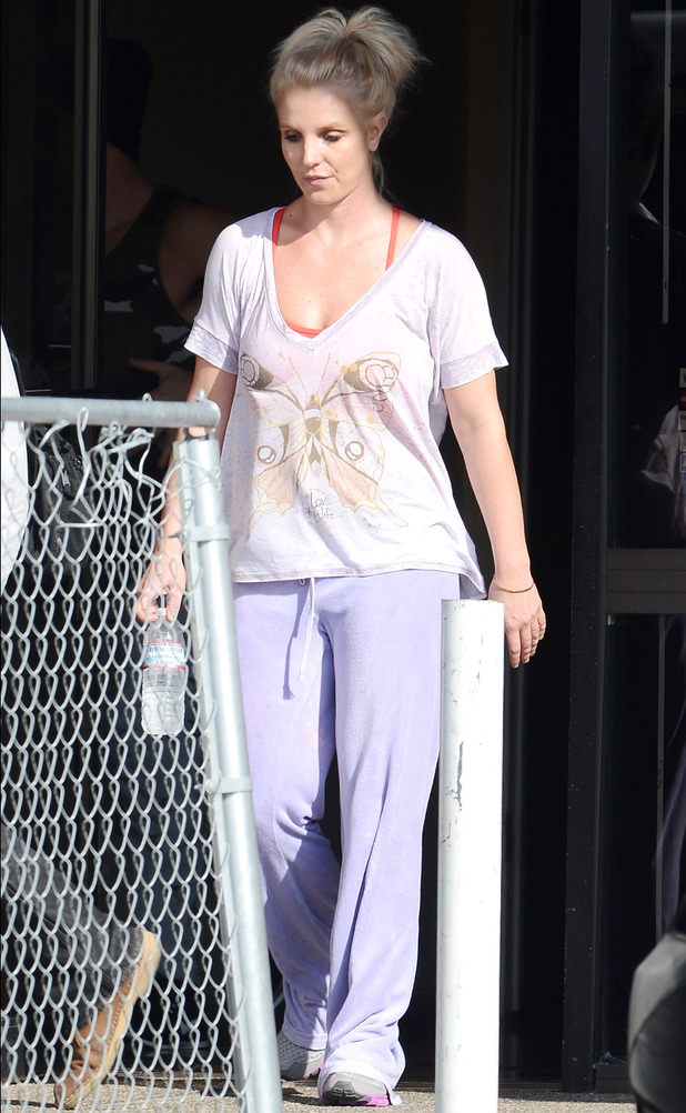 Britney Spears at a dance studio in Thousand Oaks, California, America - 27 Oct 2013