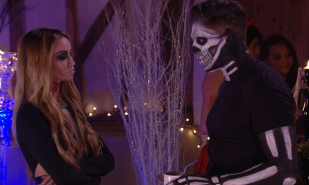 TOWIE episode preview - Wednesday 30 October 2013. Lauren Pope and Mario Falcone attempt to clear the air.
