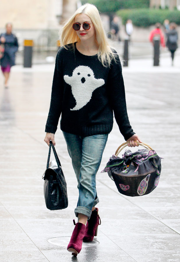 Fearne Cotton arrives at Radio 1 sporting a Halloween ghost jumper, 25 October 2013